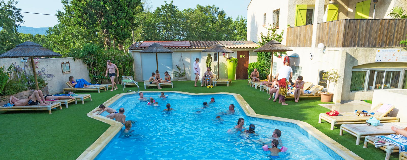 swimming pool fot holidays in provence